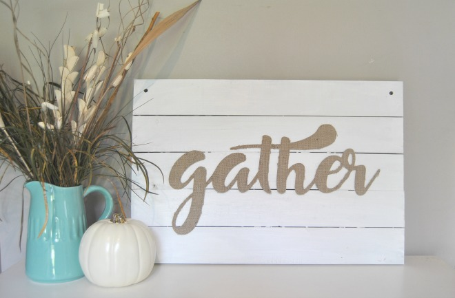OMG stop paying for farmhouse decor when you can make your own! Check out this blog with tons of DIY decor ideas! This DIY farmhouse sign is my next craft project!