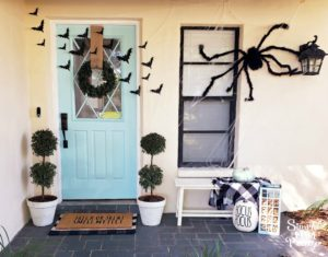 Simple Halloween Front Porch Decor